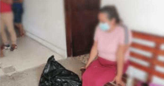 Le entregaron los restos de su hijo en una bolsa de plástico