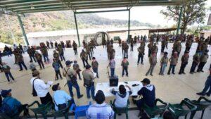 Los menores son parte de la policía comunitaria. FOTO Cuartoscuro, Dassaev Téllez
